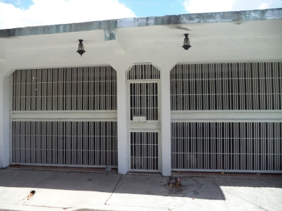 Remax Star Vende Casa en Av. La Montañita