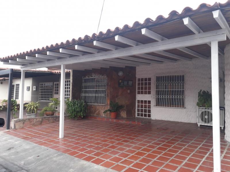 En Cabudare, Urb Los Cedros