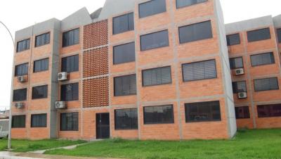 Se vende Apartamento en Parque Coropo 75m2