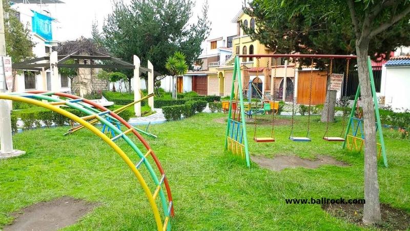 Casa frente a parque en Urbanización privada, Cayma, Arequipa