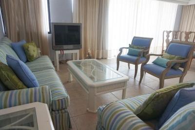 Apartamento en Coronado Country Club