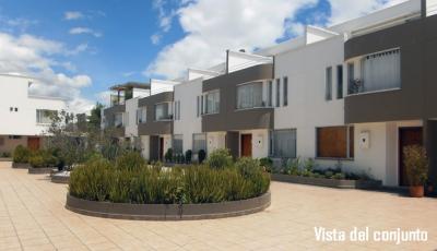 Sek, Conjunto Melina, vendo casa de 3 pisos, 2 parqueaderos, 135m2 de construcción $145.000 2353232, 0997592747