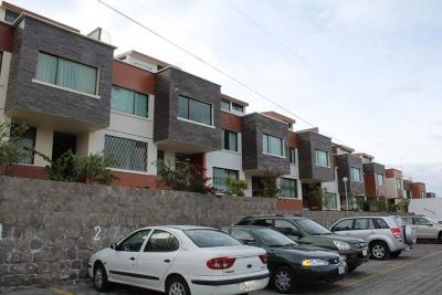 Arriendo casa Quito, sector Solca, calle San Miguel de Anagaes $400