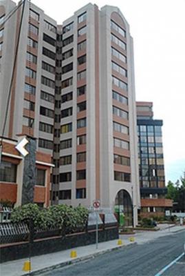Arriendo departamento en Quito, Torres Doral, 3 dormitorios, Berlín y 9 de Octubre $400 Inf: 2353232, 0997592747