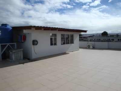 EDIFICIO EN ARRIENDO SECTOR EL INCA.
