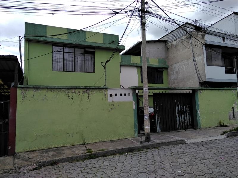 CASA RENTERA 4 DPTOS. NORTE QUITO, MOLINEROS Y ENTRE 6 DE DICIEMBRE Y GALO PLAZA
