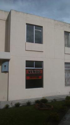 VENDO / CAMBIO CASA 3 DORM. AV. EQUINOCCIAL  MITAD DEL  MUNDO