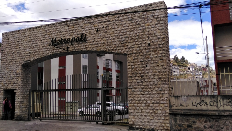 San Bartolo Sur Quito Conjunto MetrÓpoli, Vendo Departamento 3 Dorm., LavanderÍa y Parqueadero