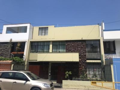 Se Vende Casa de 147m2 en Pueblo Libre, 3 pisos