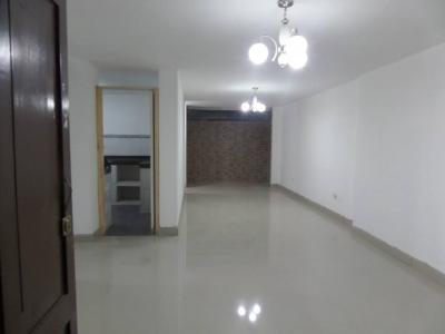 Remato primer piso casa en Urb. Villareal - Chiclayo