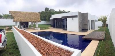 Hermosa casa vacacional ubicada en Monterrico