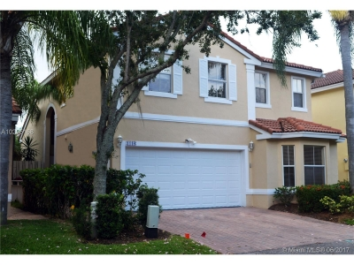 Beautiful 2 story Home in Hollywood Beach