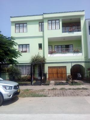 Vendo Casa de 3 pisos