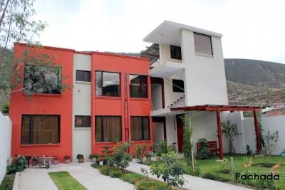 Casa de venta, Pomasqui. sector Urbanización Club de Liga, rentera $150.000 2353232, 0997592747, 0992758548