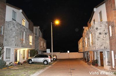 Conjunto Alcázar de Burgos, Pomasqui, casa de tres pisos, 138m2 $110.000 Aceptamos Biess 2353232,0997592747,0992758548