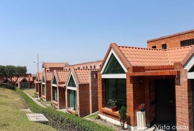Casa Pomasqui, conjunto Casa de Campo, con ampliación y mejoras $115.000 2353232,0997592747,0992758548