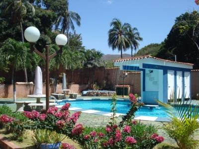 Apartamento Amoblado via Playa El Agua