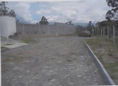 Hermoso terreno para construccion  de casas aterrazadas tiene todos los servicios  esta dentro de Urbanización