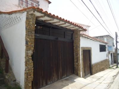 Casa en Pampatar con terraza y piscina vista al Mar