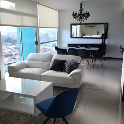 Se vende apartamento moderno totalmente amueblado
