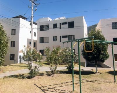 Dos Hemisferios, vendo departamento 2 dormitorios $48.500, segundo piso Inf: 2353232, 0997592747, 0992758548
