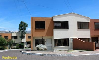 Dos Hemisferios, casa esquinera de dos pisos al mejor precio $87.000 2353232, 0997592747, 0992758548