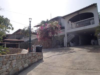 Amplia Casa Tipo Quinta