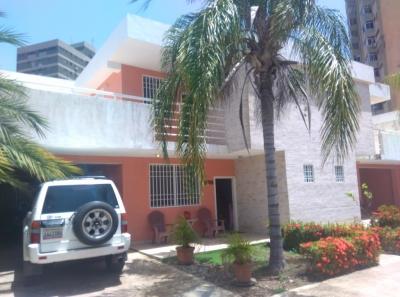 Townhouse en Sabanamar, Porlamar cerca de la 4 de mayo Isla de Margarita