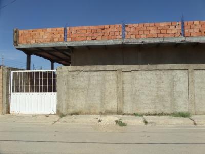SKY GROUP, vende galpón en av. Juan Bautista Arismendi