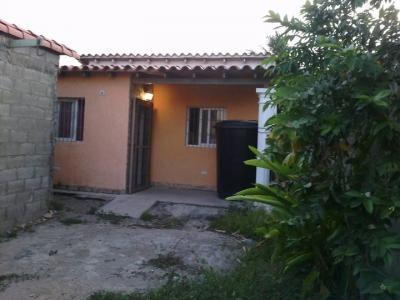 Casa a 5 minitos del centro de Porlamar - Macho Muerto