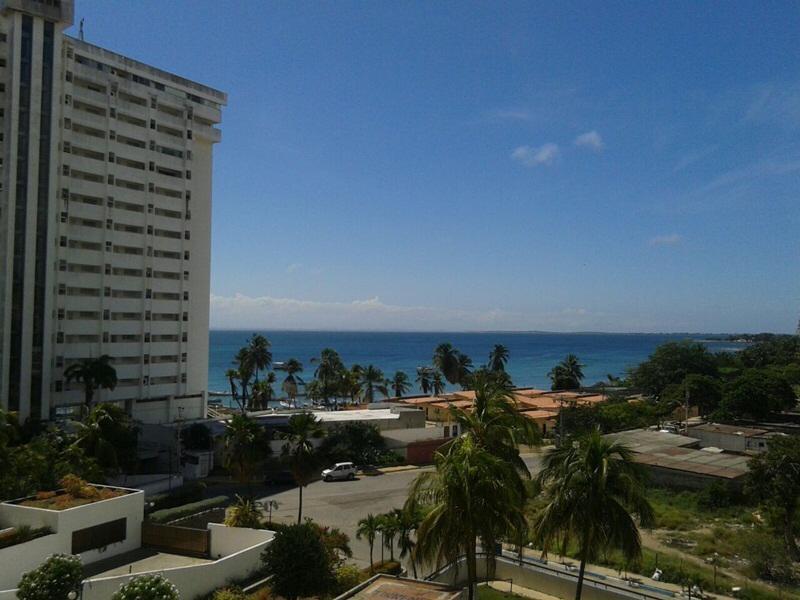 Apartamento vista al mar Avenida Bolívar