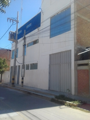 SE VENDE LOCAL INDUSTRIAL COMERCIAL EN TALARA