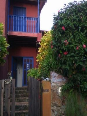 Excelente casa de dos plantas. A 5 minutos de Playa Guacuco