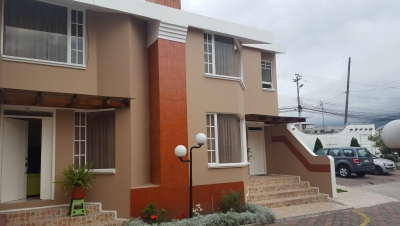 Hermosa Casa en Tumbaco