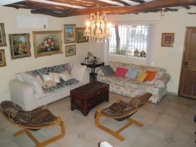 BELLO TOWN HOUSE EN JORGE COLL ISLA DE MARGARITA