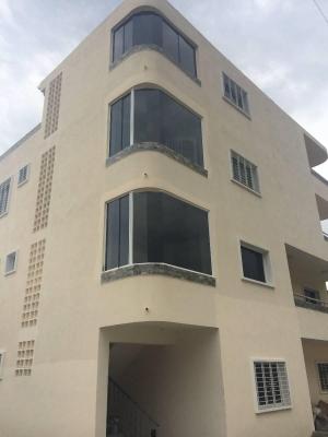 Apartamento de 2 Niveles en El Limón