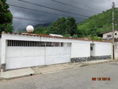 VENTA DE CASA URBANIZACIÓN LAS MAYAS EL LIMÓN. MARACAY. EDO. ARAGUA