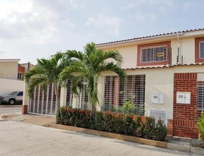 Townhouse En Venta Conj. Res Los Girasoles Rah 17-14821 Mdfc