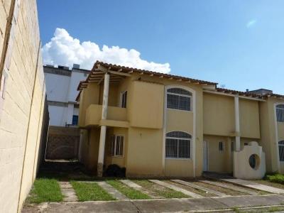 Town House en Venta Rah 16-14767