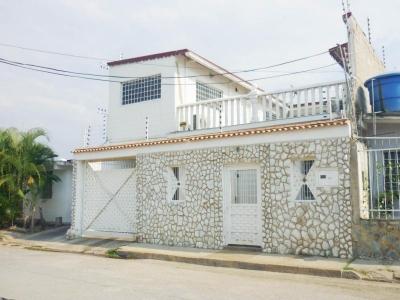 Casa en Venta Urb. Villa Esperanza Rah 18-4672