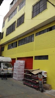 Local Comercial Ubicado En Mercado De Productores Fiori.