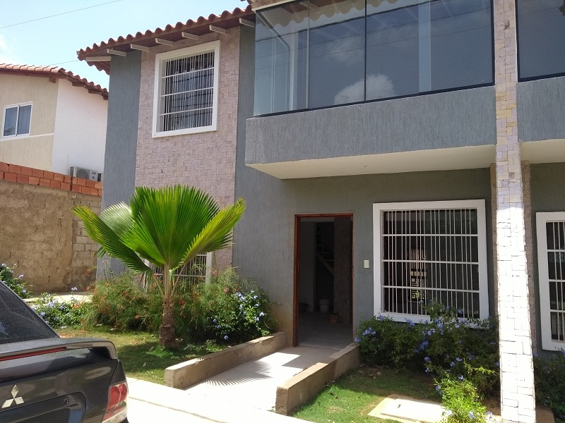 Los Robles - Casas o TownHouses
