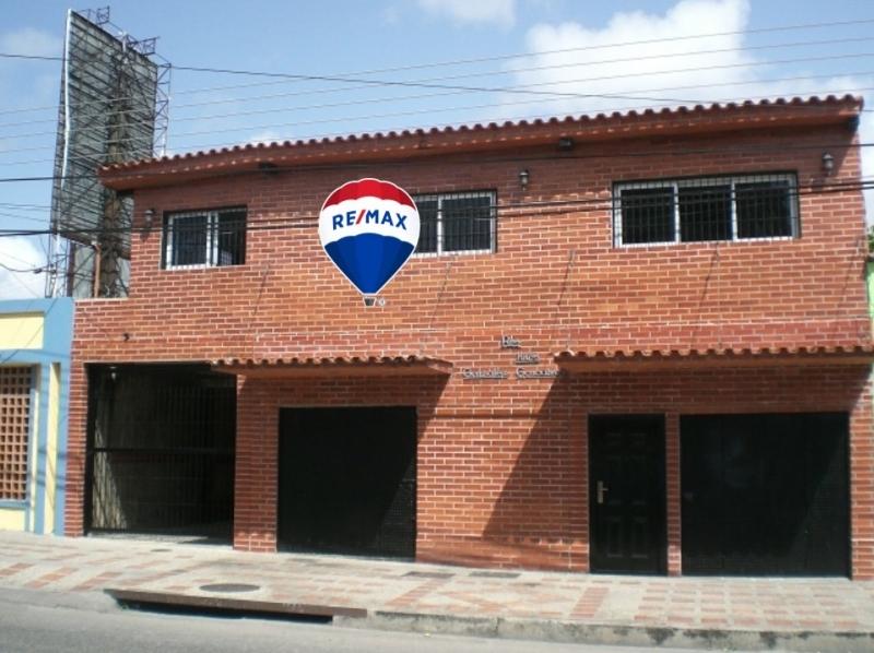 Los Robles - Edificios