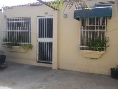 Venta de Oportunidad casa de 80mts2 en Urb. Santa Cruz