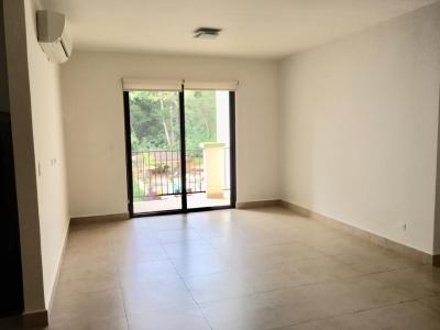 Apartamento de 146 m2 con línea blanca, Clayton