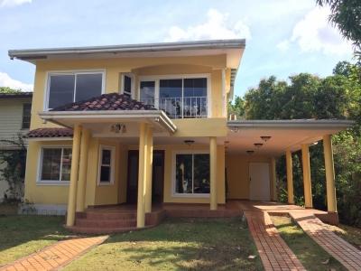 Bella Casa Clayton La mejor opción gran jardin MPC1557