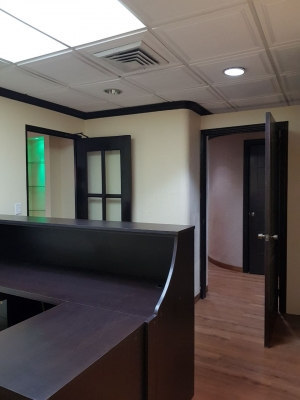 Alquilo Oficina o consultorio en Planta baja