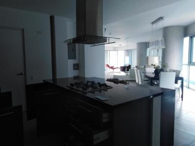 18-7540 AF En Bella Vista se vende espectacular apartamento