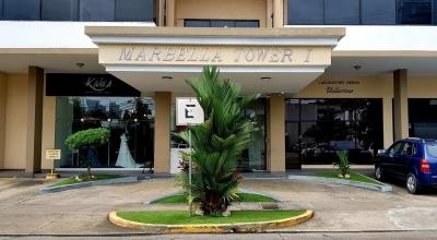 18-7431 AF Se vende apartamento remodelado en Marbella