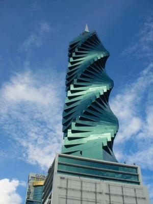 A8VOL0001 Oficina en F&F Tower, Revolution en Venta (El Tornillo)